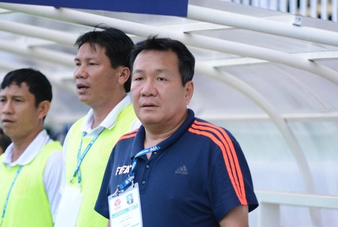 HLV Hoang Van Phuc mung phat khoc khi CLB Quang Nam len ngoi dau hinh anh 15