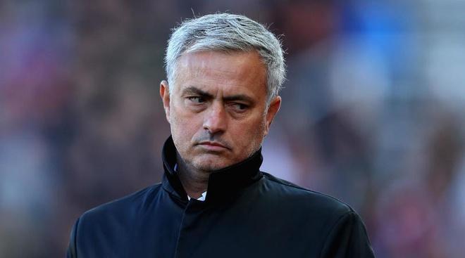 'Mourinho khong dang bi trach neu MU that bai o Premier League' hinh anh 1