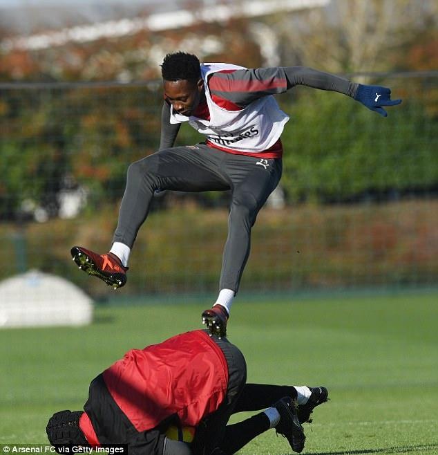CDV Arsenal don tin vui truoc tran derby London hinh anh 6