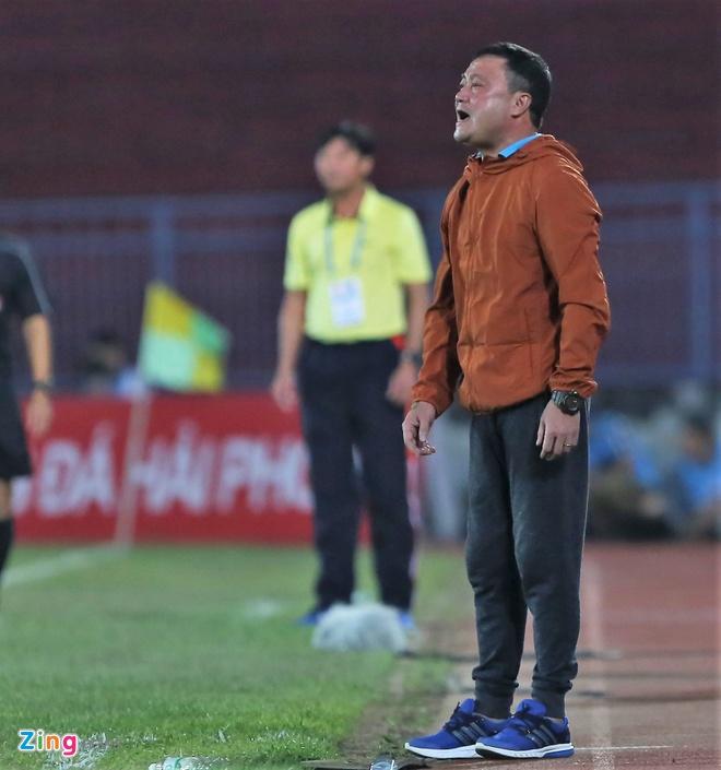 Bau Hien cuoi hanh phuc khi CLB Ha Noi thang doi Quang Nam 1-0 hinh anh 9