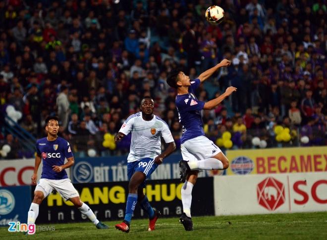 Bau Hien cuoi hanh phuc khi CLB Ha Noi thang doi Quang Nam 1-0 hinh anh 20