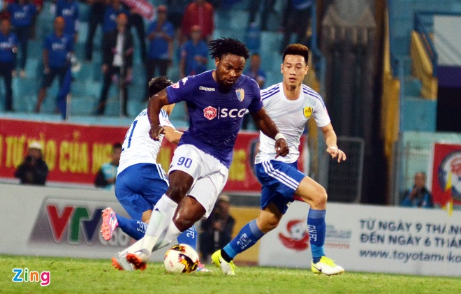 Bau Hien cuoi hanh phuc khi CLB Ha Noi thang doi Quang Nam 1-0 hinh anh 19