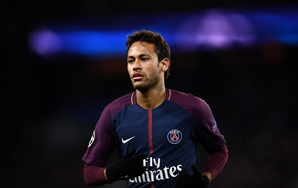 Neymar chui tuc vi phong vien hoi ve Real Madrid hinh anh 1