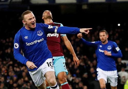 Rooney lap hat-trick dau tien sau khi chia tay MU hinh anh