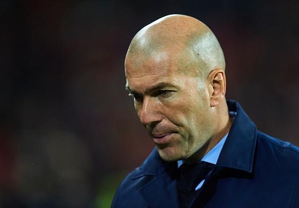 HLV Zidane that vong voi cau thu Real anh 1