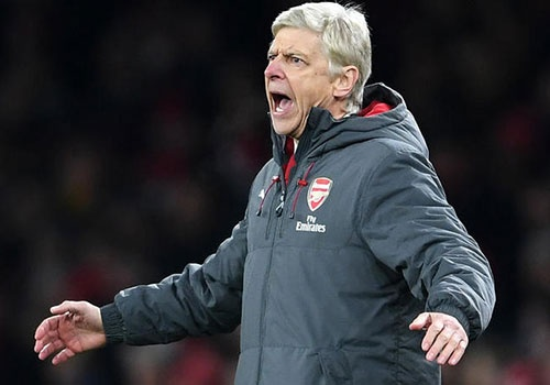 HLV Wenger khong bo giac mo vo dich sau tran thua MU hinh anh
