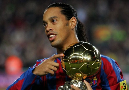 Ronaldinho quyet dinh giai nghe nam 2018 hinh anh