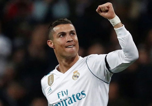 Ronaldo muon lap ky tich o Champions League hinh anh
