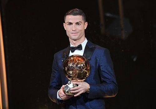 Ronaldo: 'Toi hay nhat lich su bong da, khong ai toan dien hon toi' hinh anh