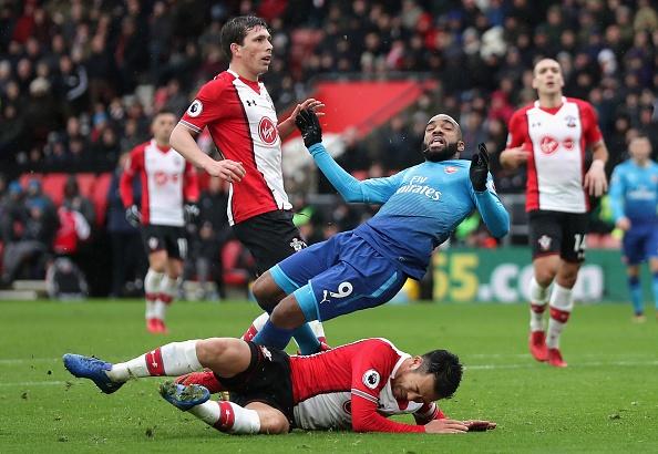 Southampton vs Arsenal (1-1): Giroud danh dau cuu 'Phao thu' hinh anh 23
