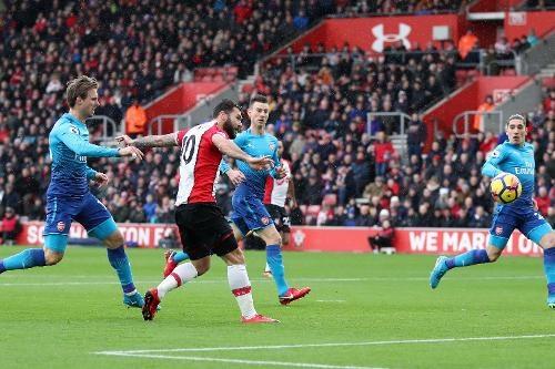 Southampton vs Arsenal (1-1): Giroud danh dau cuu 'Phao thu' hinh anh 16