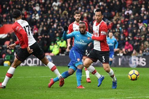 Southampton vs Arsenal (1-1): Giroud danh dau cuu 'Phao thu' hinh anh 20