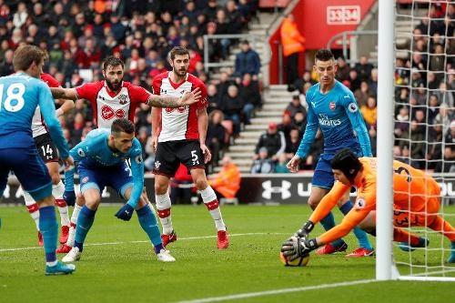 Southampton vs Arsenal (1-1): Giroud danh dau cuu 'Phao thu' hinh anh 19