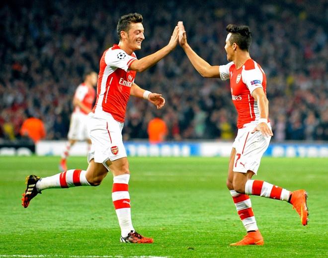 Southampton vs Arsenal (1-1): Giroud danh dau cuu 'Phao thu' hinh anh 8