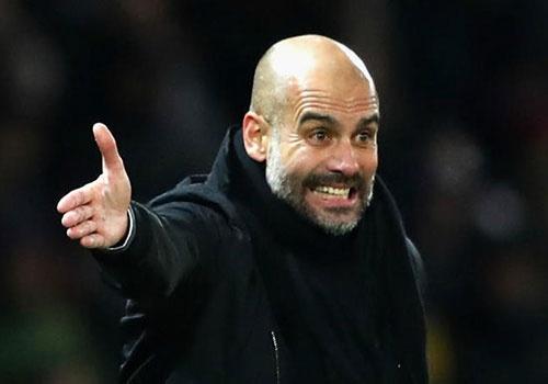 Guardiola lo Man City chua du manh, san sang mua sam hinh anh