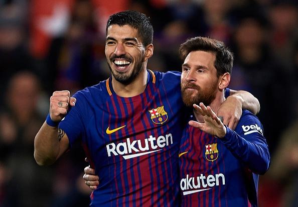 Barca lan thu ba hon Real tren 10 diem truoc El Clasico hinh anh 1