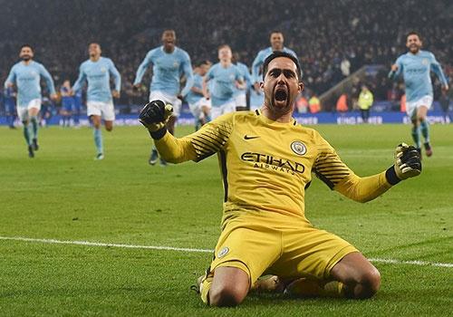 Man City vao ban ket League Cup sau loat sut luan luu kich tinh hinh anh