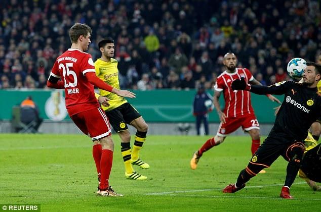 Bayern danh bai Dortmund 2-1, vao tu ket cup quoc gia Duc hinh anh 3