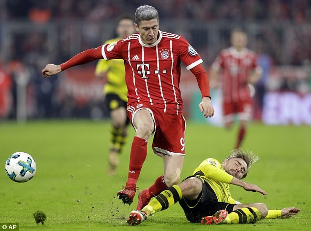 Bayern danh bai Dortmund 2-1, vao tu ket cup quoc gia Duc hinh anh 5