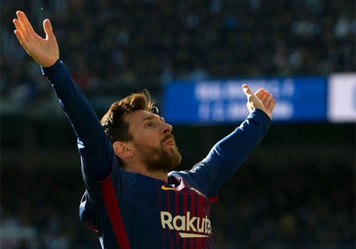 Messi danh hon 83% thoi gian di bo o El Clasico hinh anh