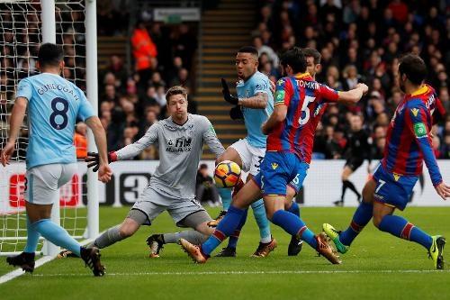 Crystal Palace 0-0 Man City: Doi cua Guardiola thoat thua o phut 90+2 hinh anh 19