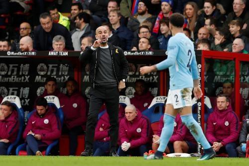 Crystal Palace 0-0 Man City: Doi cua Guardiola thoat thua o phut 90+2 hinh anh 23
