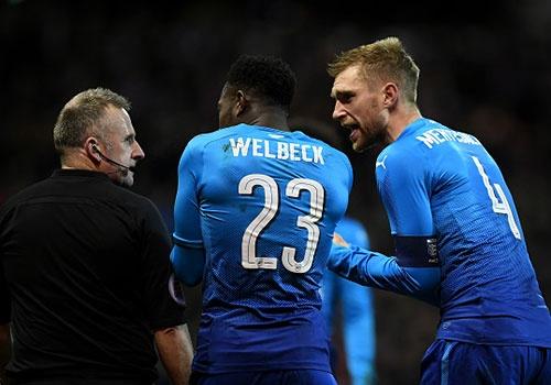 Arsenal tro thanh cuu vuong FA Cup sau tran thua 2-4 hinh anh