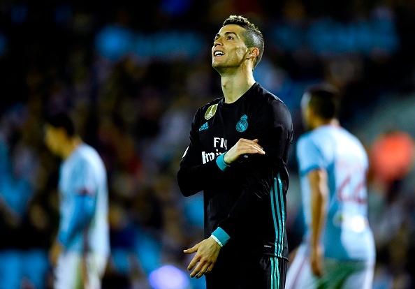 'Real dang chim, Zidane khong muon noi ve La Liga' hinh anh 1