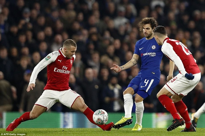 Arsenal hoa Chelsea nho thu mon Ospina va cot doc hinh anh 1