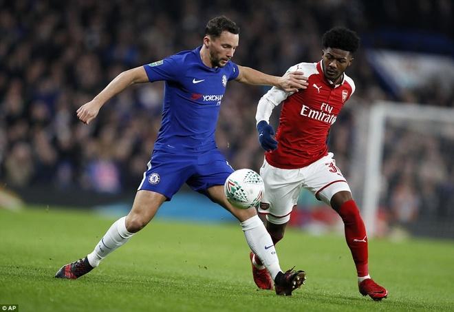 Arsenal hoa Chelsea nho thu mon Ospina va cot doc hinh anh 2