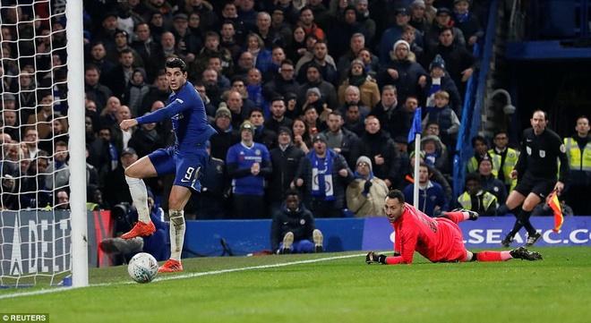 Arsenal hoa Chelsea nho thu mon Ospina va cot doc hinh anh 9