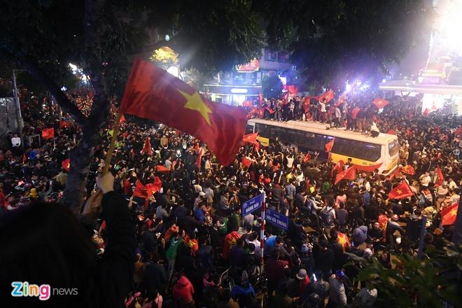 Chung ket U23 chau A: CDV Viet Nam soi dong truoc gio 'G' hinh anh 2