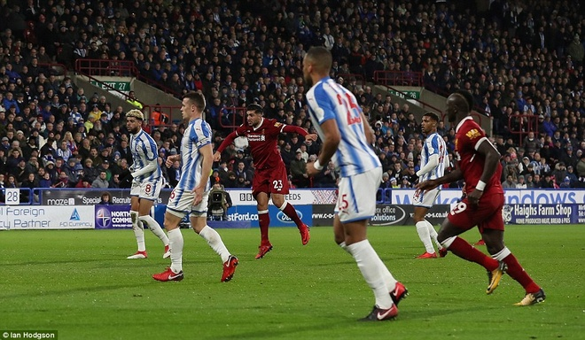HLV Klopp so tai voi ban than, Liverpool thang Huddersfield 3-0 hinh anh 3