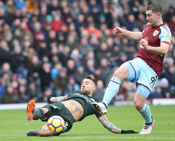 Burnley 1-1 Man City: Sterling dut diem te, HLV Guardiola tuc gian hinh anh 21