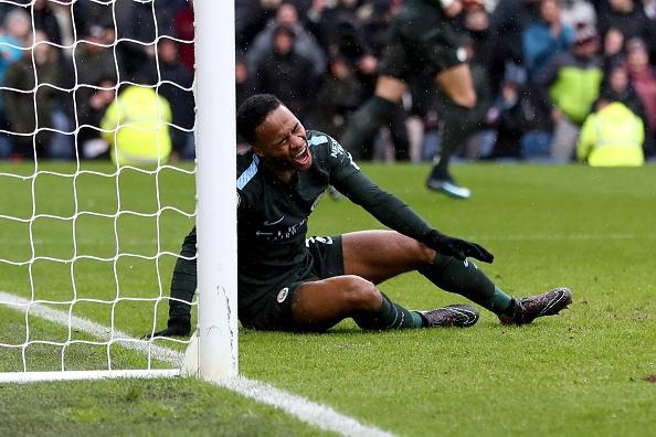 Burnley 1-1 Man City: Sterling dut diem te, HLV Guardiola tuc gian hinh anh 1