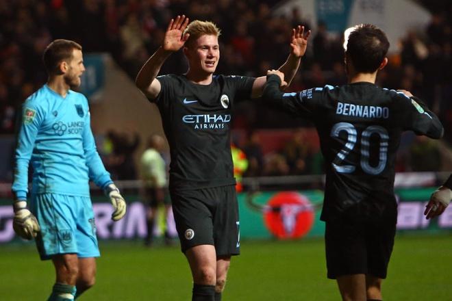 Burnley 1-1 Man City: Sterling dut diem te, HLV Guardiola tuc gian hinh anh 5