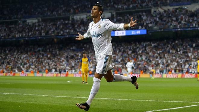 Ronaldo lap moc ban thang moi o chau Au hinh anh 1