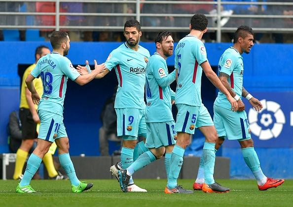 Eibar 0-2 Barca: Hung phan truoc khi gap Chelsea o Champions League hinh anh 20