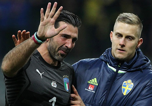 Buffon xac nhan tro lai tuyen Italy, gap Argentina va DT Anh hinh anh