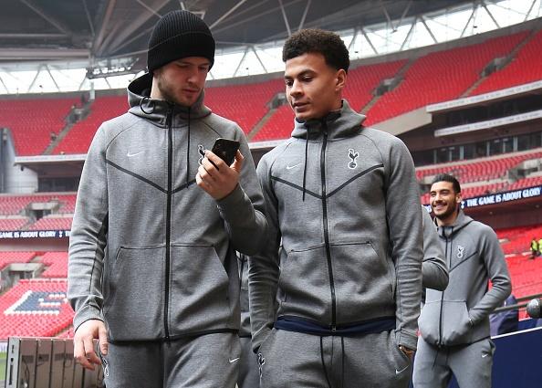 Tottenham 2-0 Huddersfield: Ngoi sao Han Quoc ghi cu dup ban thang hinh anh 11