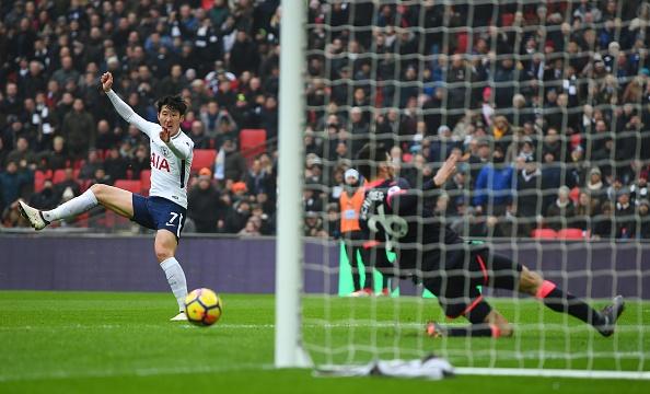 Tottenham 2-0 Huddersfield: Ngoi sao Han Quoc ghi cu dup ban thang hinh anh 19