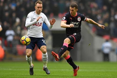 Tottenham 2-0 Huddersfield: Ngoi sao Han Quoc ghi cu dup ban thang hinh anh 15
