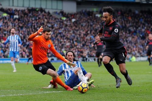 Brighton 2-1 Arsenal: 'Phao thu' kem 13 diem so voi top 4 hinh anh