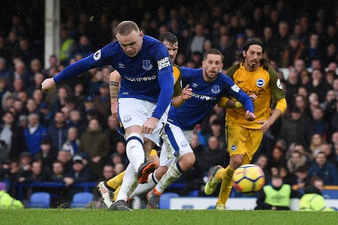 Rooney sut hong 11 m lan thu ba mua nay, Everton van thang 2-0 hinh anh