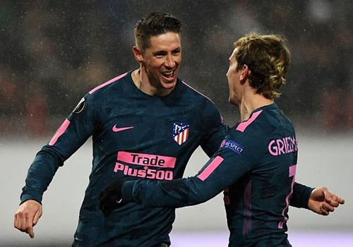 Torres ghi cu dup, Atletico pho dien suc manh o Europa League hinh anh