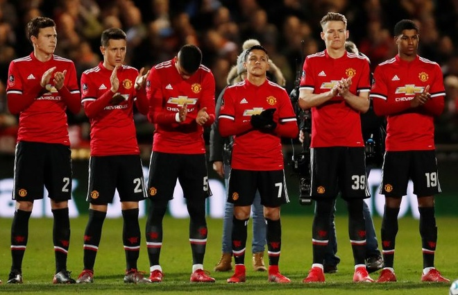 Jose Mourinho khong chay tron sau that bai cua MU hinh anh 2