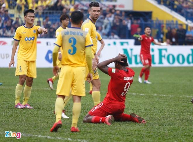 CLB Thanh Hoa 1-0 CLB TP.HCM: Tien Dung kien tao, Dinh Tung ghi ban hinh anh 15