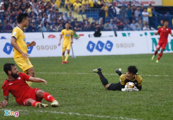 CLB Thanh Hoa 1-0 CLB TP.HCM: Tien Dung kien tao, Dinh Tung ghi ban hinh anh 1