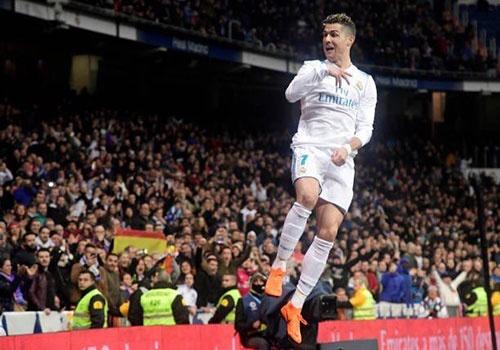 Messi cung khong the sanh ngang Ronaldo nam 2018 hinh anh