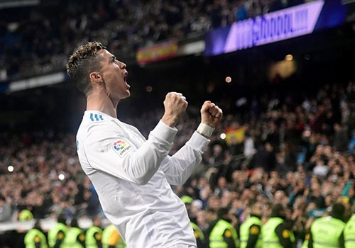Ronaldo: Tu loi ca cuoc dien khung den phong do huy diet hinh anh